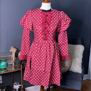 Dresses & Skirts - Polka Dot retro dress with lace and buttons detail